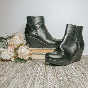 Nine West wedge boots